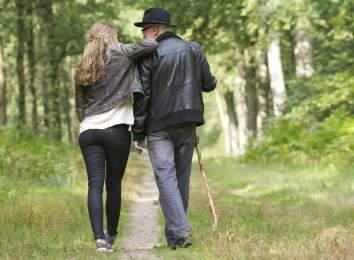 एक युवतीले करोडपती वृद्धसँग विवाह गरिन् तिन महिनापछि थाहा भयो, कि श्रीमान् आफ्नै हजुरबुवा