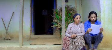 भूकम्प पिडितको घरमा दशैँ गीत बजारमा (भिडियो सहित)