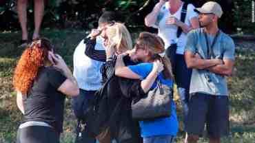 फ्लोरिडा: विद्यालयमा गोली चल्दा १७ मारिए,१४ जना घाइते
