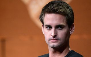 Snap sinks below $6 per share on the heels of a mixed earnings report 2