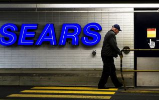 Sears appoints board member with restructuring experience