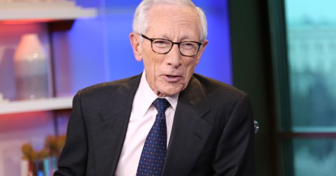 Trump's attacks on Fed could backfire with higher rates, former vice chairman says 3