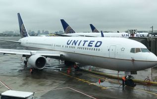 United Airlines surges as travel demand offsets higher fuel prices 2