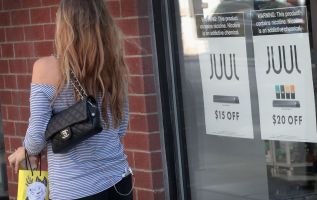 Juul e-cigarette maker boosts lobbying spending by 452% 3