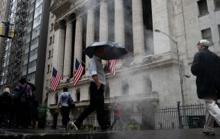Here are the three things pulling down the stock market again 3