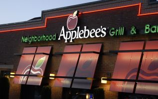 Applebee's is turning its business around, a $1 cocktail at a time 3