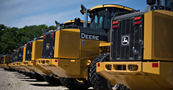 Deere profit soars despite doubts on Wall Street 2