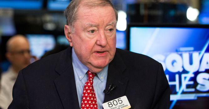 UBS' Art Cashin doesn't expect the Fed to raise rates at all next year 1