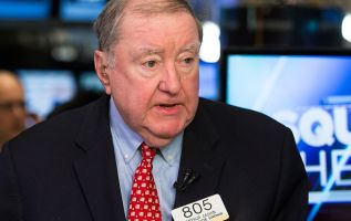 UBS' Art Cashin doesn't expect the Fed to raise rates at all next year 2
