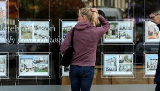 Reality Check: How does the government help first-time buyers? 1