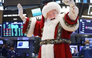 Finally, signs of a Santa Claus rally come to Wall Street 3