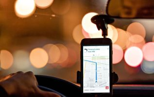 Uber sues New York City over license cap 3