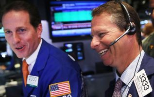 Stocks extend winning streak amid strong economy—five experts weigh in 2