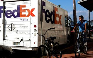 FedEx just warned the whole globe is slowing 1