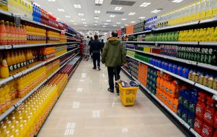 Sugary drinks may help fuel colon cancer tumors, study in mice suggests 2