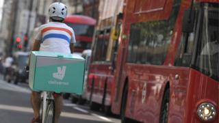 EU law fixes minimum rights for 'gig economy' workers 3
