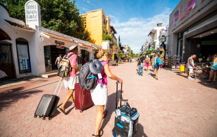 On your travels? Four top ways to boost your holiday cash 1
