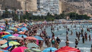 Fraudsters 'stole £7m' from holidaymakers in 2018 3