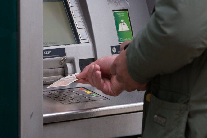 The true cost of going cashless 4