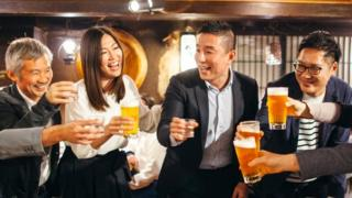 Japan's workplaces rethink 'drinking with the boss' 5