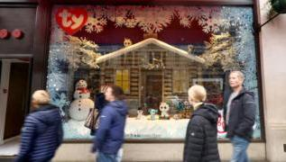 How do toy shops pick the right Christmas toys? 2