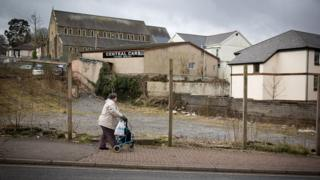 'Go big' to tackle regional inequalities, report urges 1