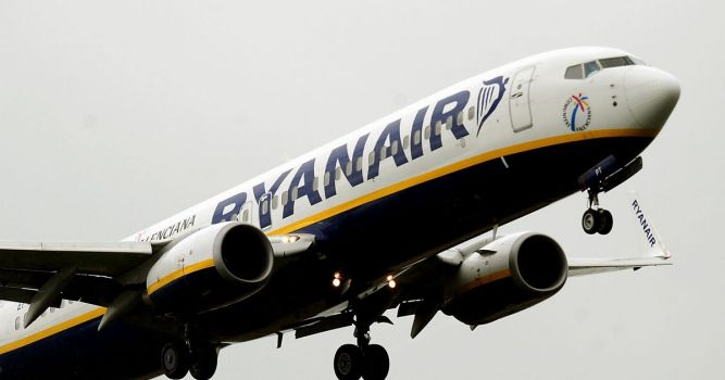 Welsh Government asks Ryanair not to fly out of Cardiff Airport 1