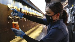 Coronavirus: Pubs, restaurants and hairdressers reopen in England 1