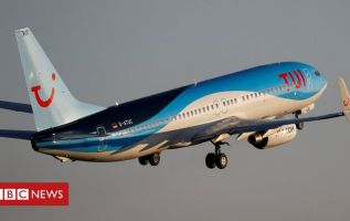 Covid: Tui cancels flights out of Luton Airport 3