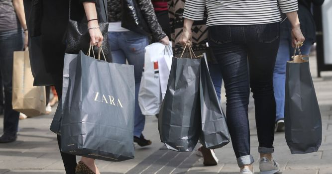 Shoppers still avoiding High Street as footfall stays below pre-Covid levels 7
