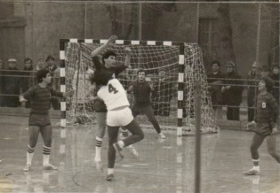 1975-olimpic-h-c-rob-rpy-11-15