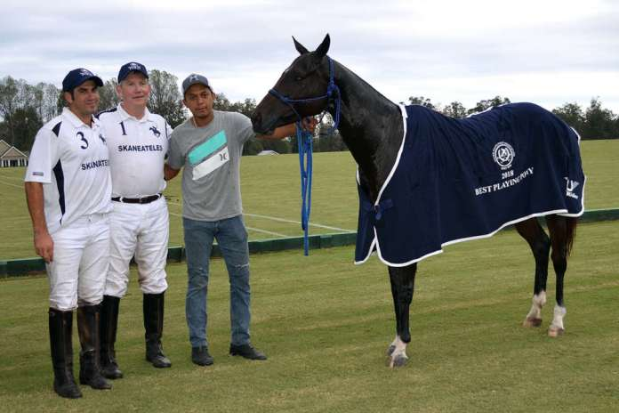 Best Playing Pony - Sally, played and owned by Mariano Obregon, pictured with Marty Cregg and Marco Tulio Esquivel.