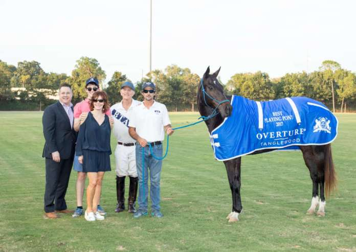 Best Playing Pony Amateur: Joan, played and owned by Kelly Beal, pictured with Douglas Drummond with Geo. H. Lewis & Sons, Henry Wessel and Marcy Taub Wessel, and Facundo Fabbri.