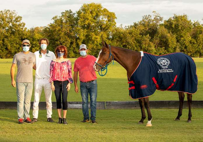 Best Playing Pony, Angostura, played by Nacho Badiola. Pictured with Facundo Fabbri, Marcy Taub and Marcelo Santomingo.