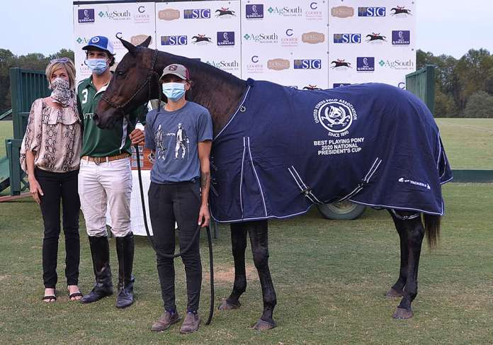 Best Playing Pony: Cautiva, played by Nachi Viana, owned by Felipe Viana, pictured with Allison Mandriota and presented by Joanna Caldwell.