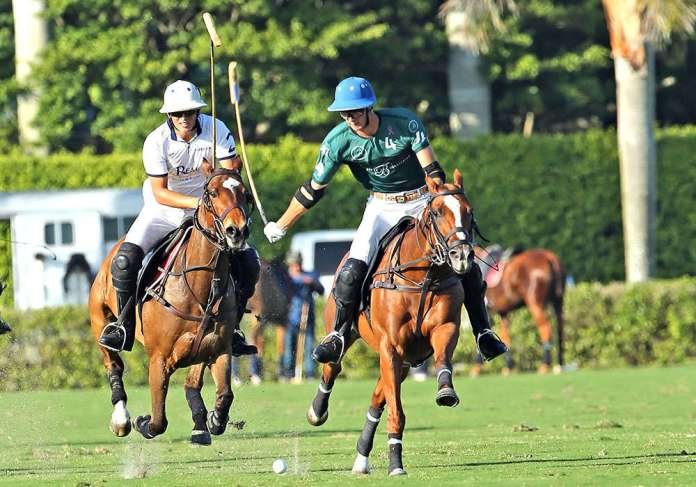 Beverly Polo's Hilario Figueras out in front of Tamera's Lucas Escobar in the 2021 Ylvisaker Cup ©Alex Pacheco.