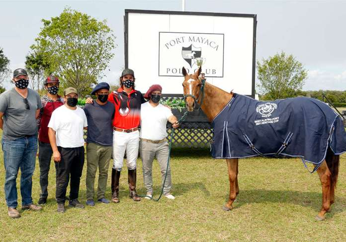 Best Playing Pony Open Phuket, played and owned by Santino Magrini. Pictured with Steve Orthwein, Claudio Insaurralde, Adonis Rosa, Chonte Escudero and Alejandro Diaz.