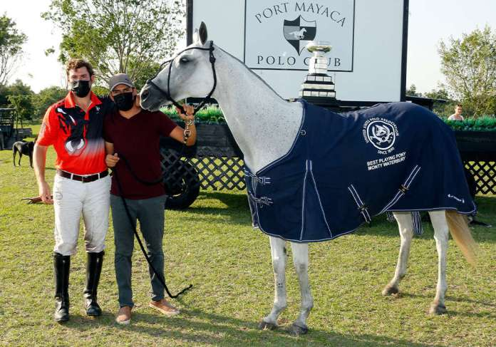 Best Playing Pony Sapphire, played and owned by Facundo Obregon. Pictured with Carlos Leiva.