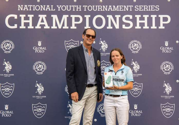 Sportsmanship Award for continued positive attitude, fairness and support for their peers on and off the field was awarded to Girls Blue's Robyn Leitner. Presented by Central Circuit Governor Bob McMurtry. ©Kaile Roos