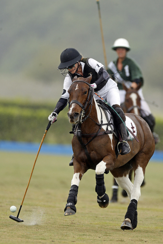 Sarah Siegel-Magness played for San Saba in the 2019 U.S. Open Women's Polo Championship™. ©David Lominska