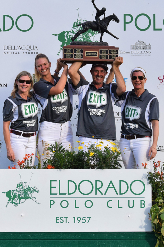 Pacific Coast Circuit Officers Cup winners: Exit Consulting Group (L to R) Lamar Rutherford, Mia Bray, Rodrigo Salinas, Jessica Bailey.