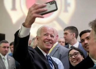 Biden 2020 Selfie