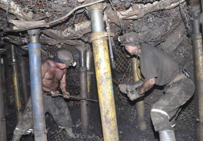USR cere Ministerul Energiei măsuri imediate în legătură cu accidentele miniere din Valea Jiului