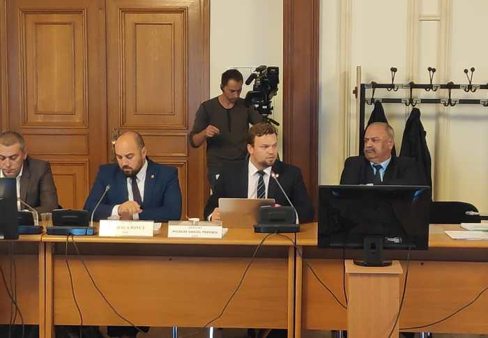 Parlamentarii PSD, reprezentanții Guvernului și conducerea Romsilva mimează reformele în domeniul silvic