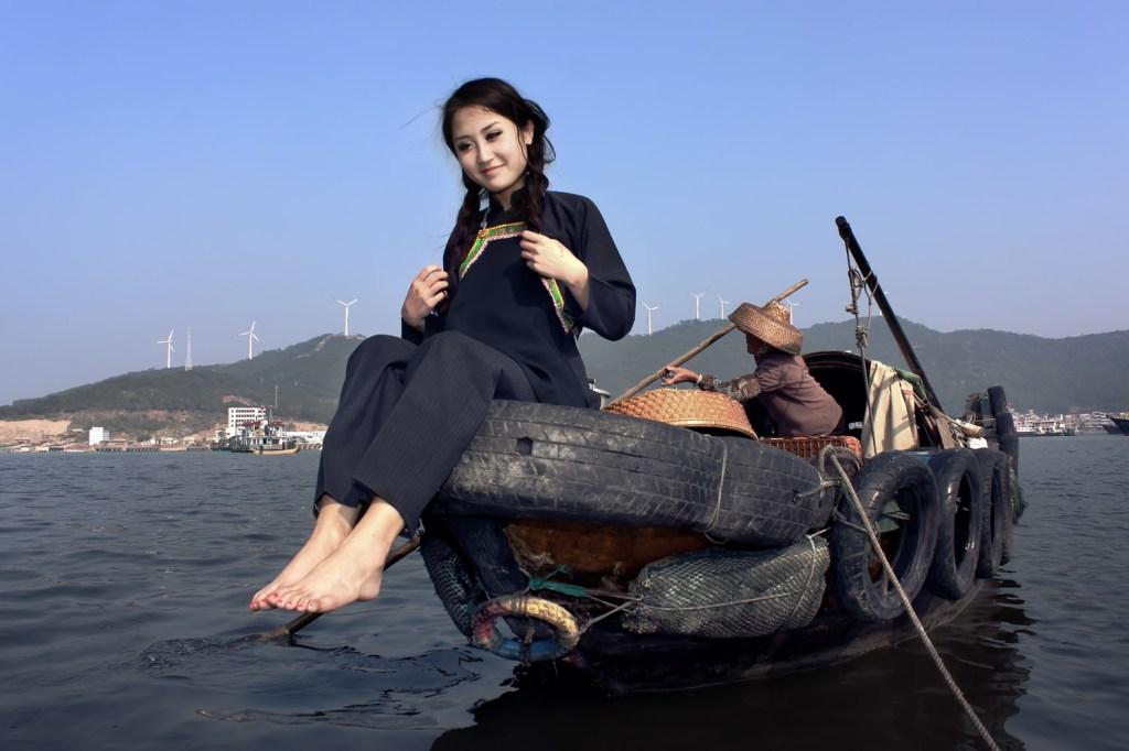 A Tanka woman