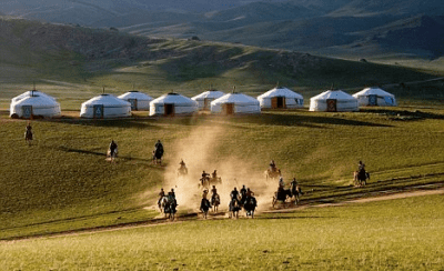 Mongolians live in rural desert areas, this is where traditional shamans practice. (Credit: DailyMail)
