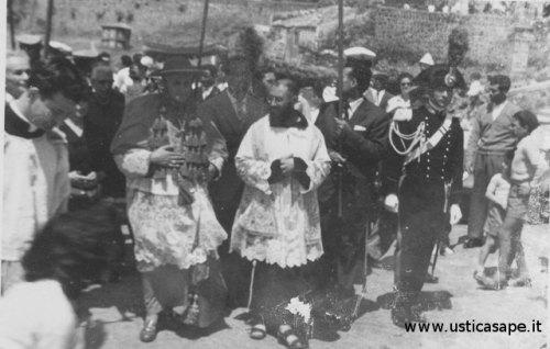 Processione con il Cardinale