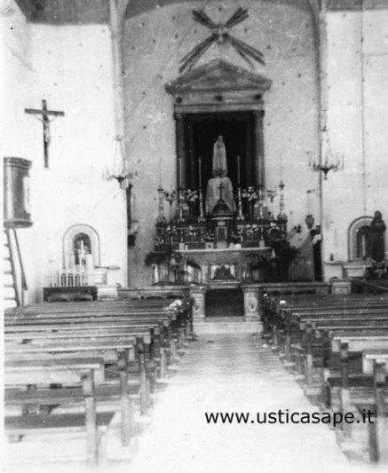 Interno chiesa - pulpito