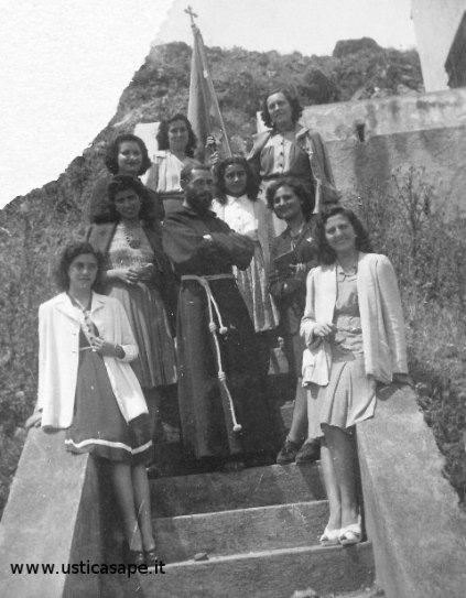 """Ustica, incontro di Preghiera alla scalinata del """"cameroncino"""" alla rotonda"""
