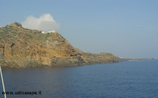 Arrivo ad Ustica con aliscafo proveniente da Napoli